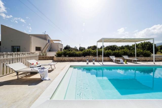 20180827013444Zeer Luxe Villa Zwembad Zee Sicilie 3