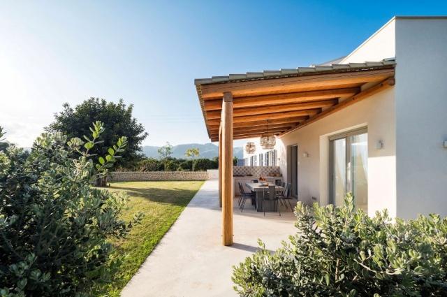 20180827013444Zeer Luxe Villa Zwembad Zee Sicilie 9
