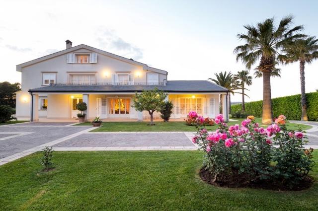 20180918095148Luxe Vrijstaande Villa Zwembad Sicilie 14f