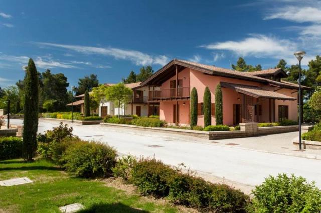 20190319094344Le Marche San Severino Luxe Villa Park Zwembad 31