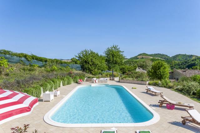 20190605121724Noord Le Marche Urbino Villa Zwembad 2