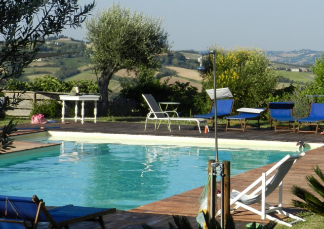20190624030318Le Marche Agriturismo Zwembad 7