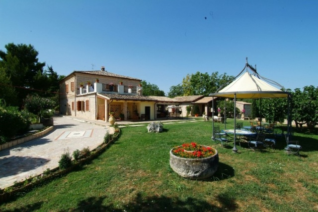 Agriturismo Abruzzo Met Zwembad 1