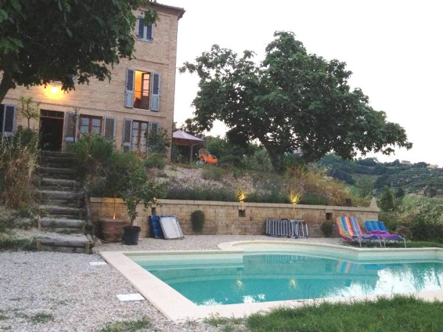 Grote Vrijstaande Woning Voor 12p Met Zwembad In Le Marche 2e