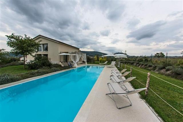 Moderne  Vrijstaande Villa Met Zwembad Le Marche 39