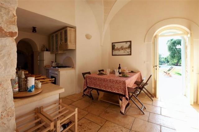 Originele Trullo Voor 8p Met Pool In Puglia 5b