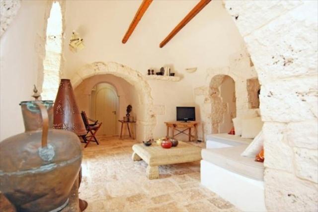 Originele Trullo Voor 8p Met Pool In Puglia 6