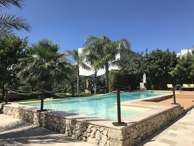 Patu Groot Appartement Met Zwembad 1