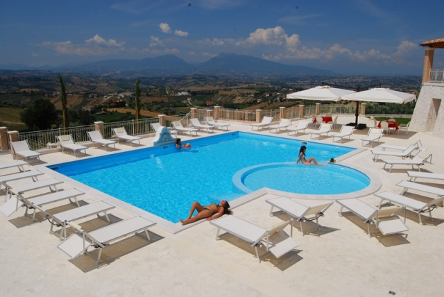 Resort Vlakbij Zee In Abruzzo 1