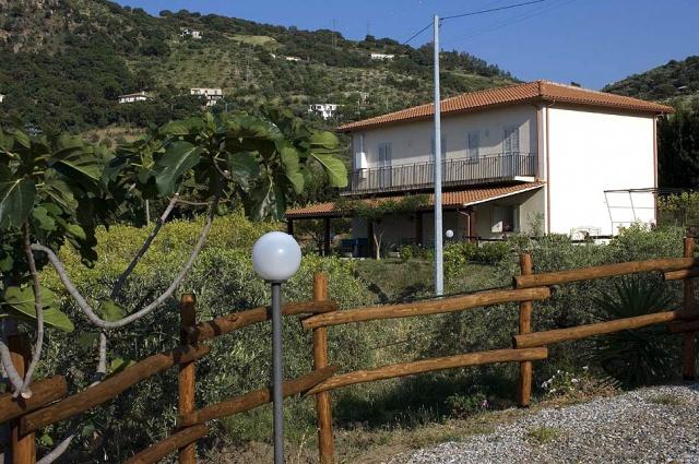 Sicilie Kleinschalige Agriturismo NabijPatti Met Zeezicht En Zwembad 9