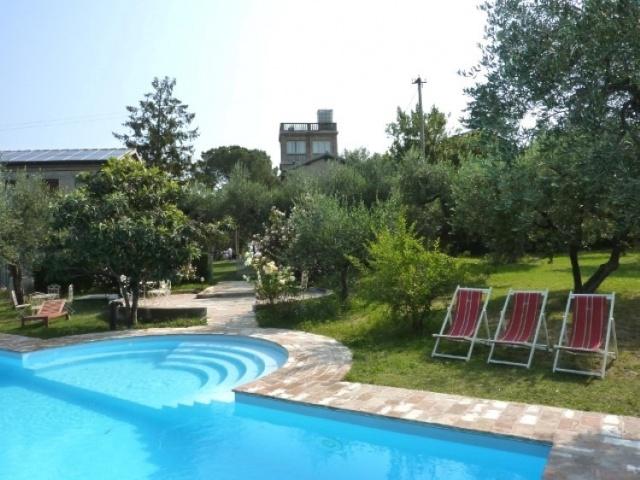 Statig Landhuis Met Appartementen Vlakbij Zee Pesaro 63