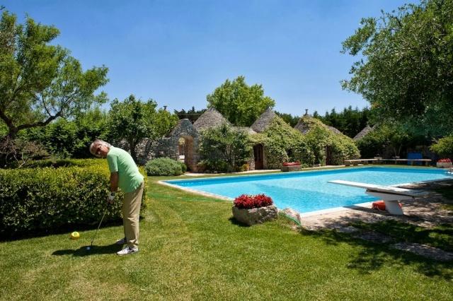 Trulli Met Golfbaan En Zwembad In Puglia 10