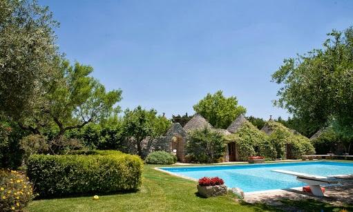 Trulli Met Golfbaan En Zwembad In Puglia 10a