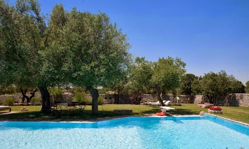 Trulli Met Golfbaan En Zwembad In Puglia 16