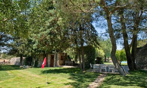 Trulli Met Golfbaan En Zwembad In Puglia 22