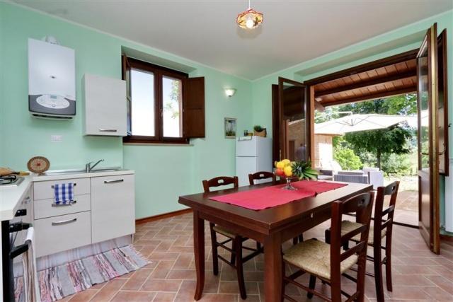 Villa Met 3 Appartementen Le Marche 29