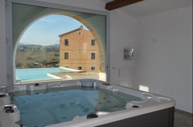 Villa Met Pool Loro Piceno Le Marche 8