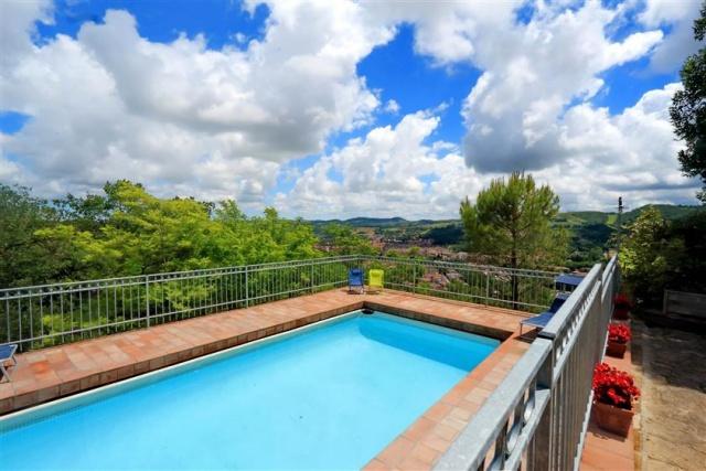 Villa Met Zwembad San Severino 11