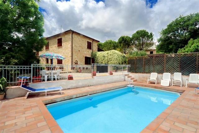 Villa Met Zwembad San Severino 7