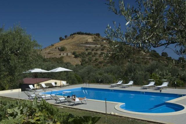 Agriturismo Sicilie Met Zwembad En Zeezicht Nabij Patti 5