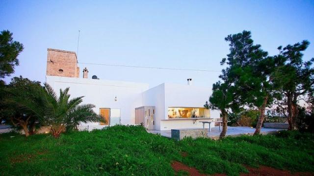 Moderne Villa Met Zwembad En Zeezicht In Puglia 2