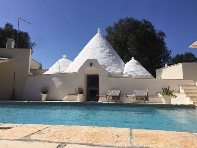 Puglia Vakanties Uniek Trullo Complex Met Twee Zwembaden 1