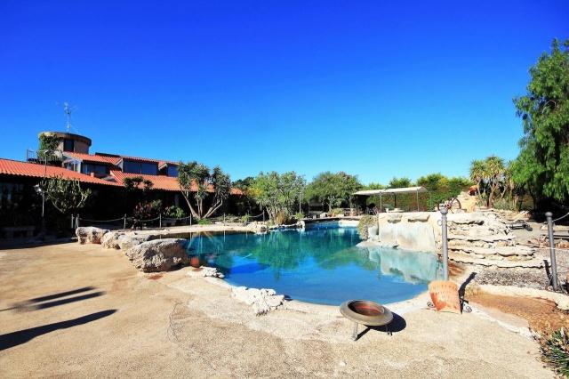 Vakantiecomplex In Lecce Met Zwembad En Jacuzzi 1